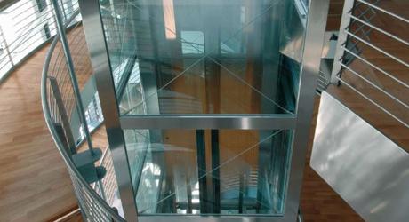 Ascensore idraulico boccato ascensori for Piani casa accessibili per disabili