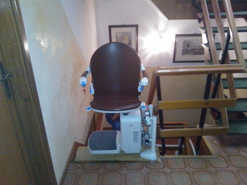 Macchina ruotata di 90° per consentire una discesa migliore e più facile - Boccato ascensori srl