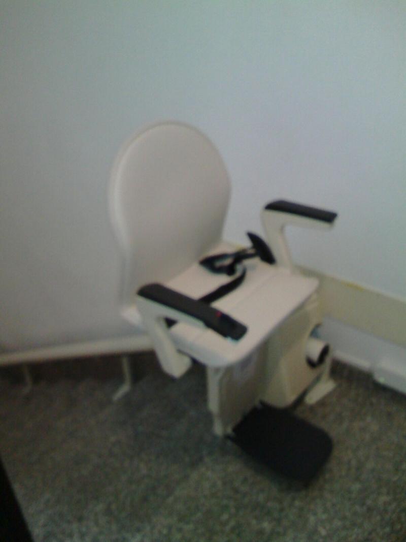 Rotazione sul pianerottolo del sedile - Boccato Ascensori srl