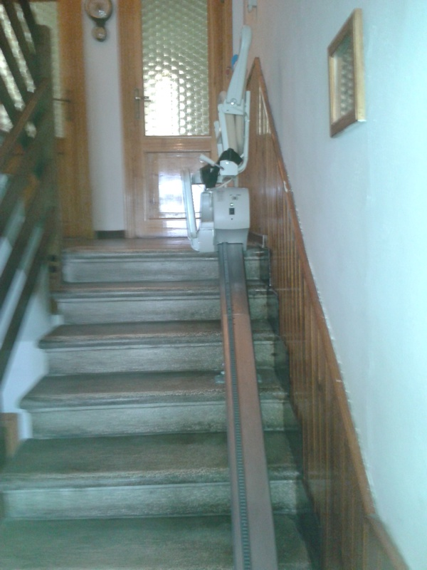 Minivator Simplicity installato a Petracolora di Gaggio Montano (BO)