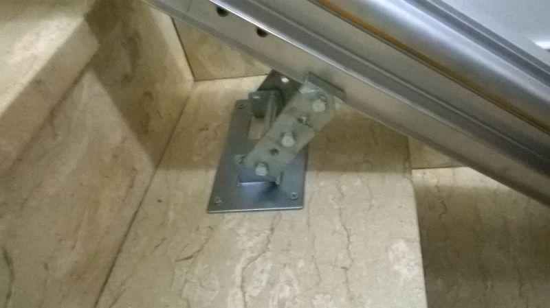 Guida con attacco a gradino - Boccato ascensori srl
