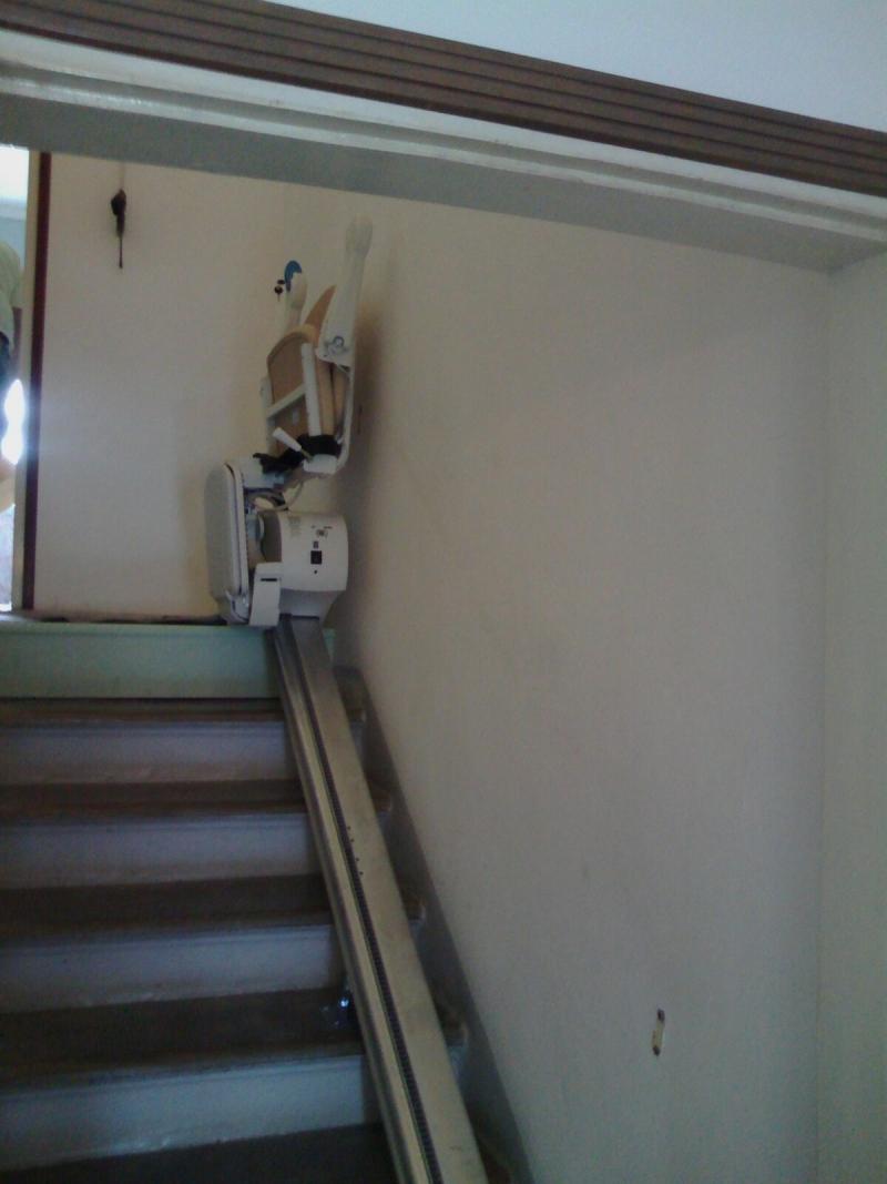 Macchina chiusa minimo ingombro boccato ascensori srl for Montascale per disabili verona