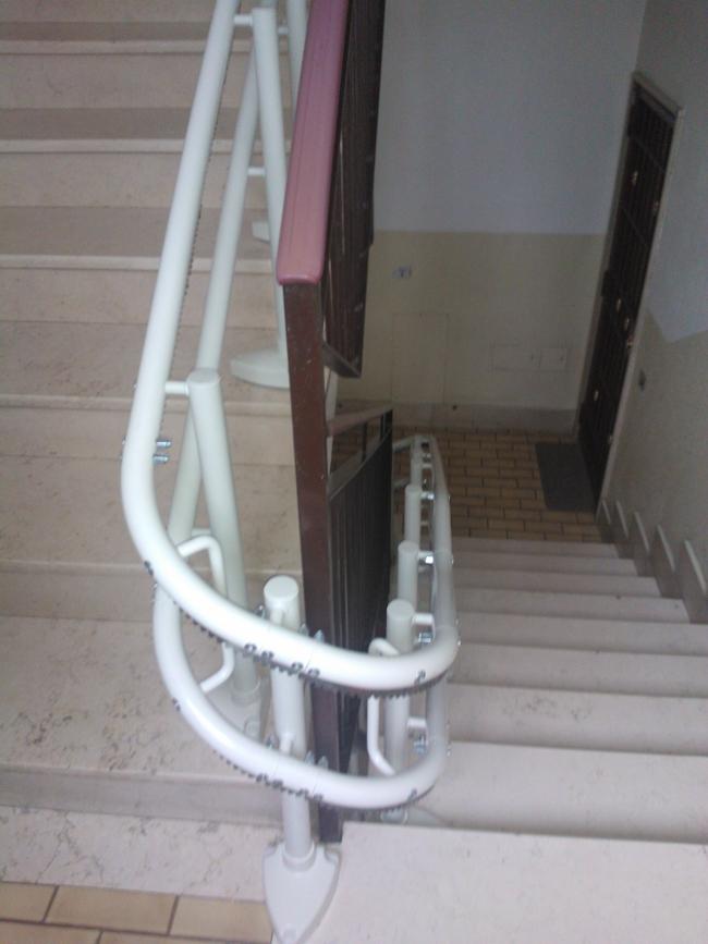 Guida curvilinea colore bianco - Boccato ascensori srl