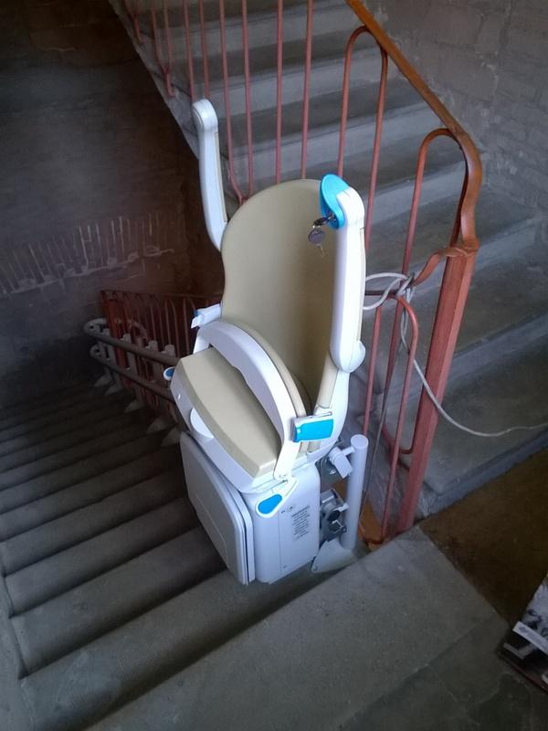 Foto di Montascale Per Disabili E Anziani Installato a Bologna e Provincia
