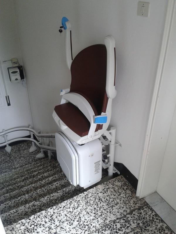 Installazione di Montascale Monivator 2000 a Medicina provincia di Bologna.