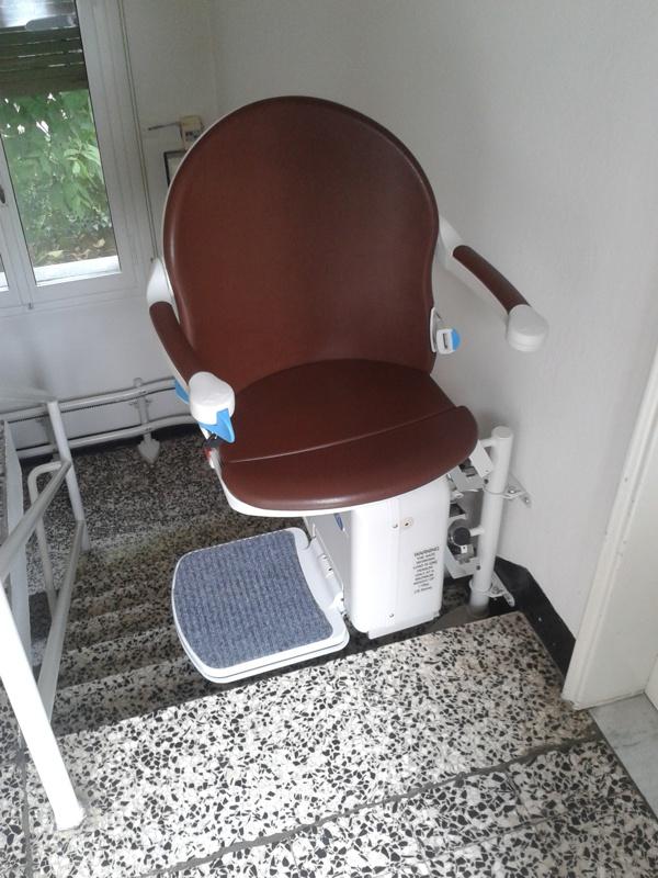 Rotazione del sedile di 90° all'arrivo - Boccato ascensori srl