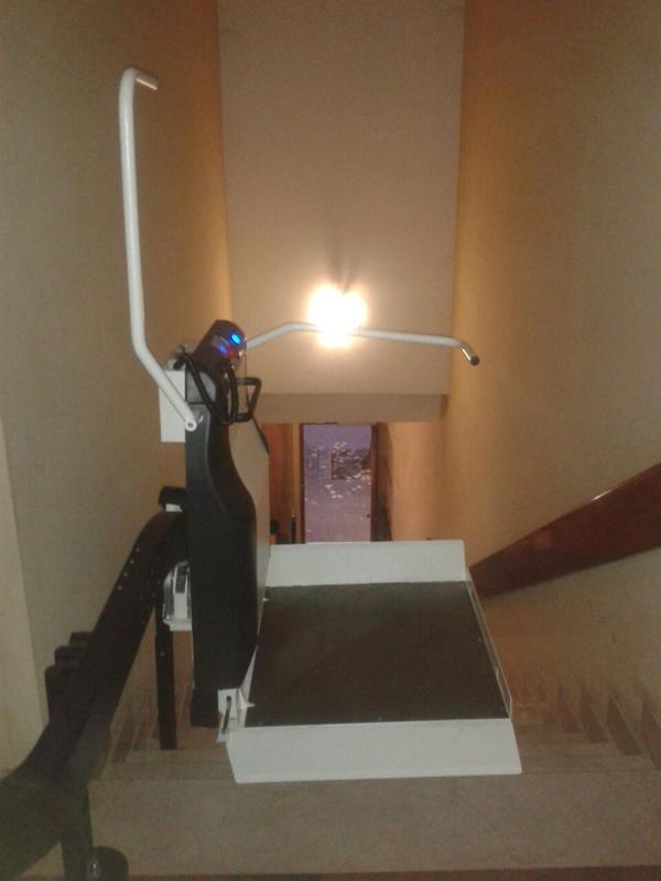 Installazione Servoscala a Pedana San Lazzaro di Savena (BO), modello Olympia.
