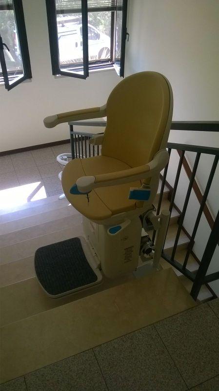 Rotazione del sedile di 90 all 39 arrivo boccato ascensori srl for Montascale per disabili verona