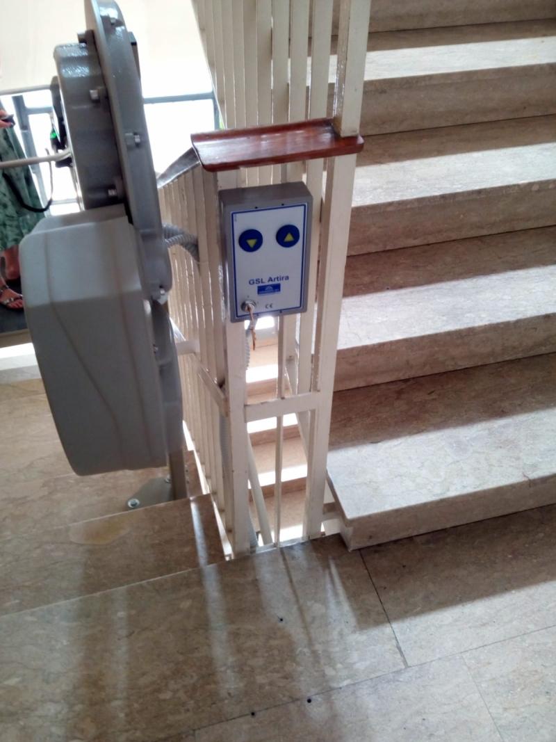 Pedana portacorrozzine installata a padova servoscala a for Montascale per disabili verona