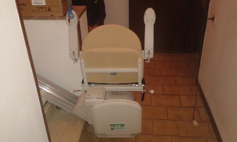 Foto di Montascale Per Disabili E Anziani Installato a Rovigo e Provincia