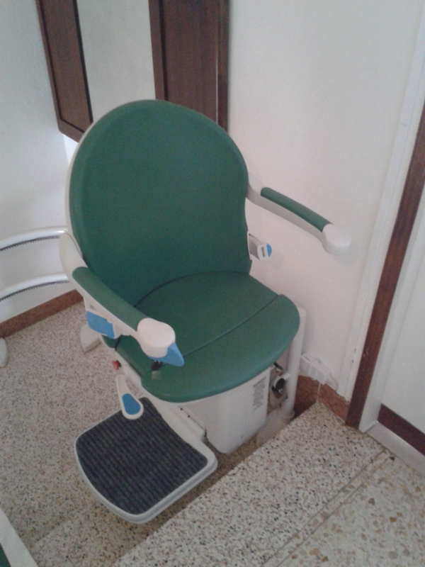Foto di Montascale Per Disabili E Anziani Installato a Ferrara e Provincia