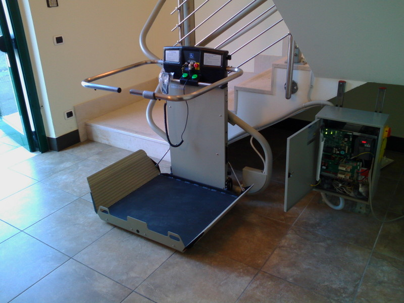 Montascale installato a sommacampagna vr for Montascale per disabili verona