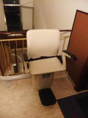 Installazione di Montascale per disabili a Forlì . Cesena. Modello Handicare Freelift