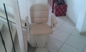 Installazione di Montascale per disabili a Forlì - Cesena. Modello Handicare Freelift.