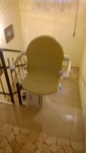 Rotazione del sedile di 90 boccato ascensori srl for Boccato montascale