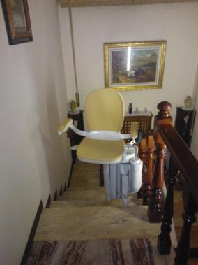 Installazione Montascale Villanova del Ghebbo, modello Acorn per interni