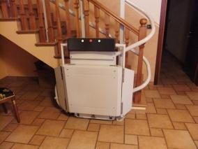Installazione di Montascale domestico, per la casa, per privato, Portacarozzine modello Slim