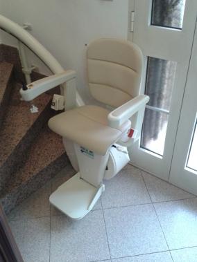 Modello minivator 2000 colore crema boccato ascensori srl for Boccato montascale