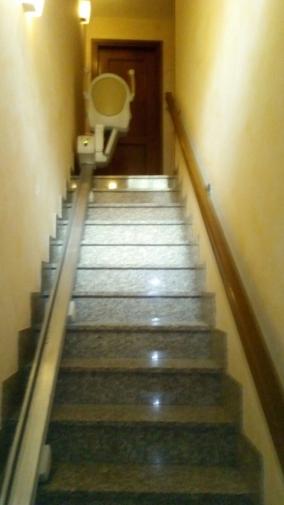 Guida rettilinea con attacco a gradino - Boccato ascensori srl