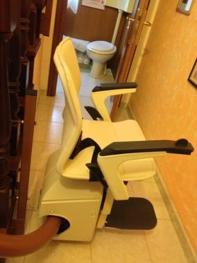 Installazione di Montascale a Mestre (Venezia), modello Handicare Freelift.