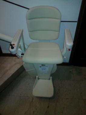 Sedile Elegance color crema con partenza standard - Boccato Ascensori Srl